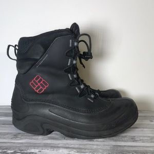 Columbia snow boots size 4